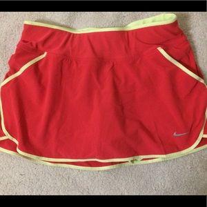 Nike Dri-Fit mesh lining & pockets skirt